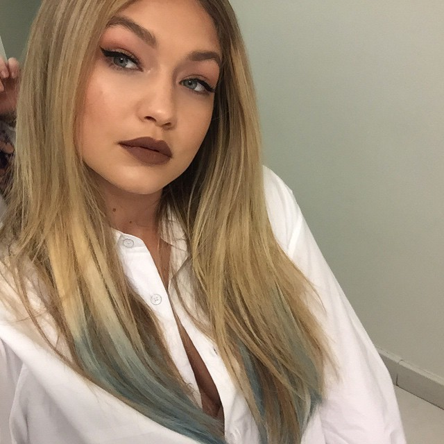 gigi-hadid-brown-lipstick