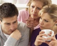 SOS: Jasni signali da se ne sviđate njegovoj mami!
