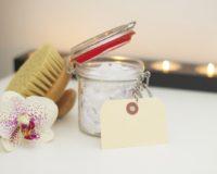 Blagodeti kuhinjske soli za negu kože i kose
