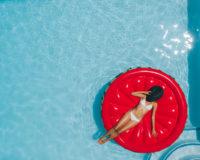 Bez izgovora i tokom leta: Vežbe u vodi koje dovode telo do perfekcije