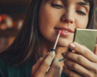 Za besprekoran make up: 6 jednostavnih make up trikova za koje još uvek niste čuli!