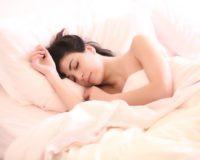 Vaš položaj tokom sna otkriva koji je idealan jastuk za vas – proverite odmah!
